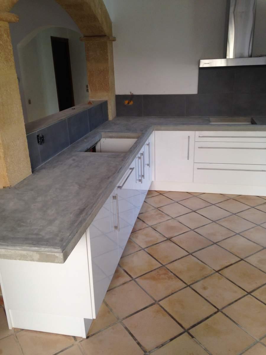 Pose d 39 un plan de travail dans une cuisine grans agence architecture - Pose d un plan de travail ...