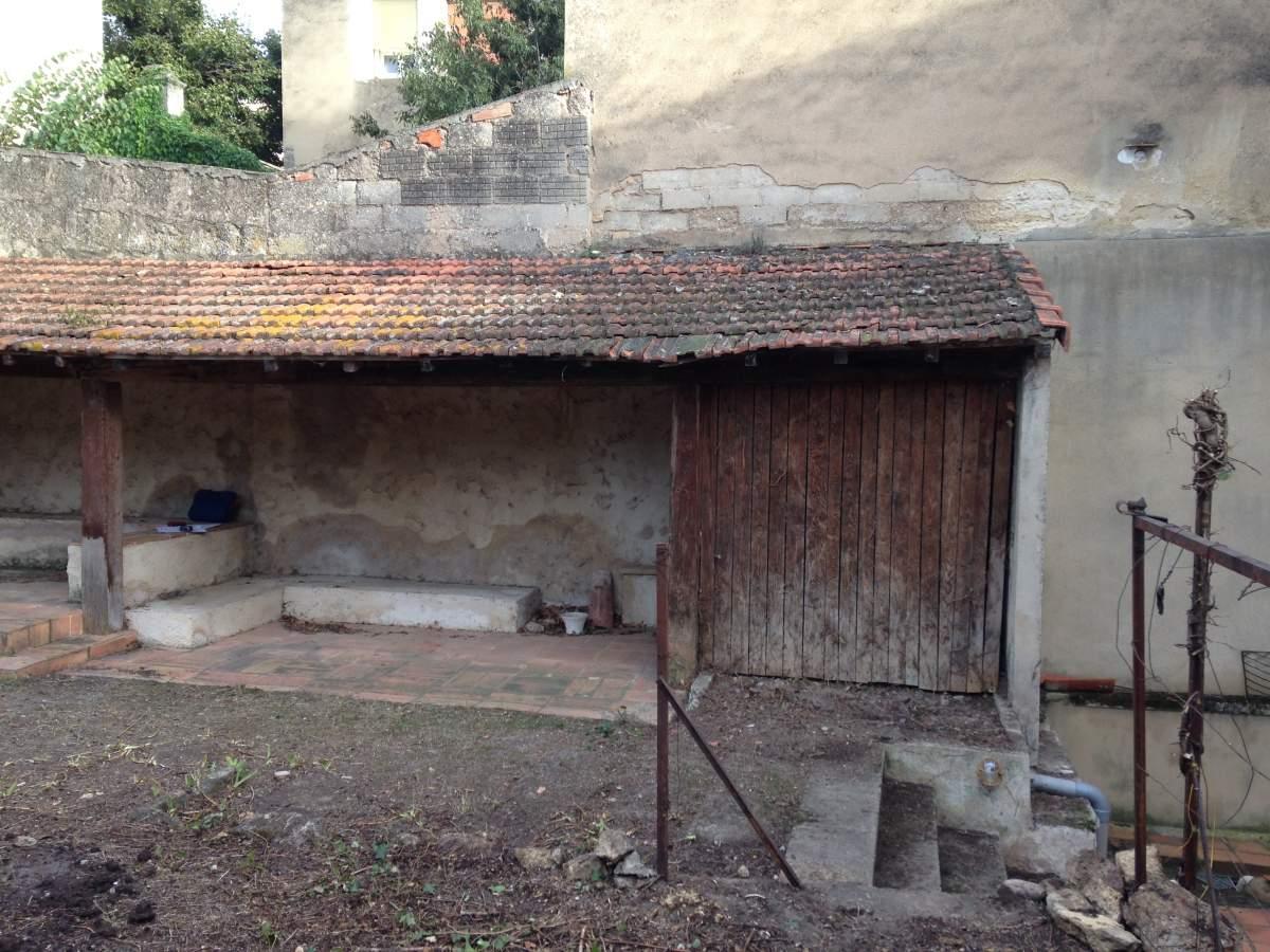 Cr ation d 39 un abri de jardin salon de provence agence for Conception d un abri de jardin