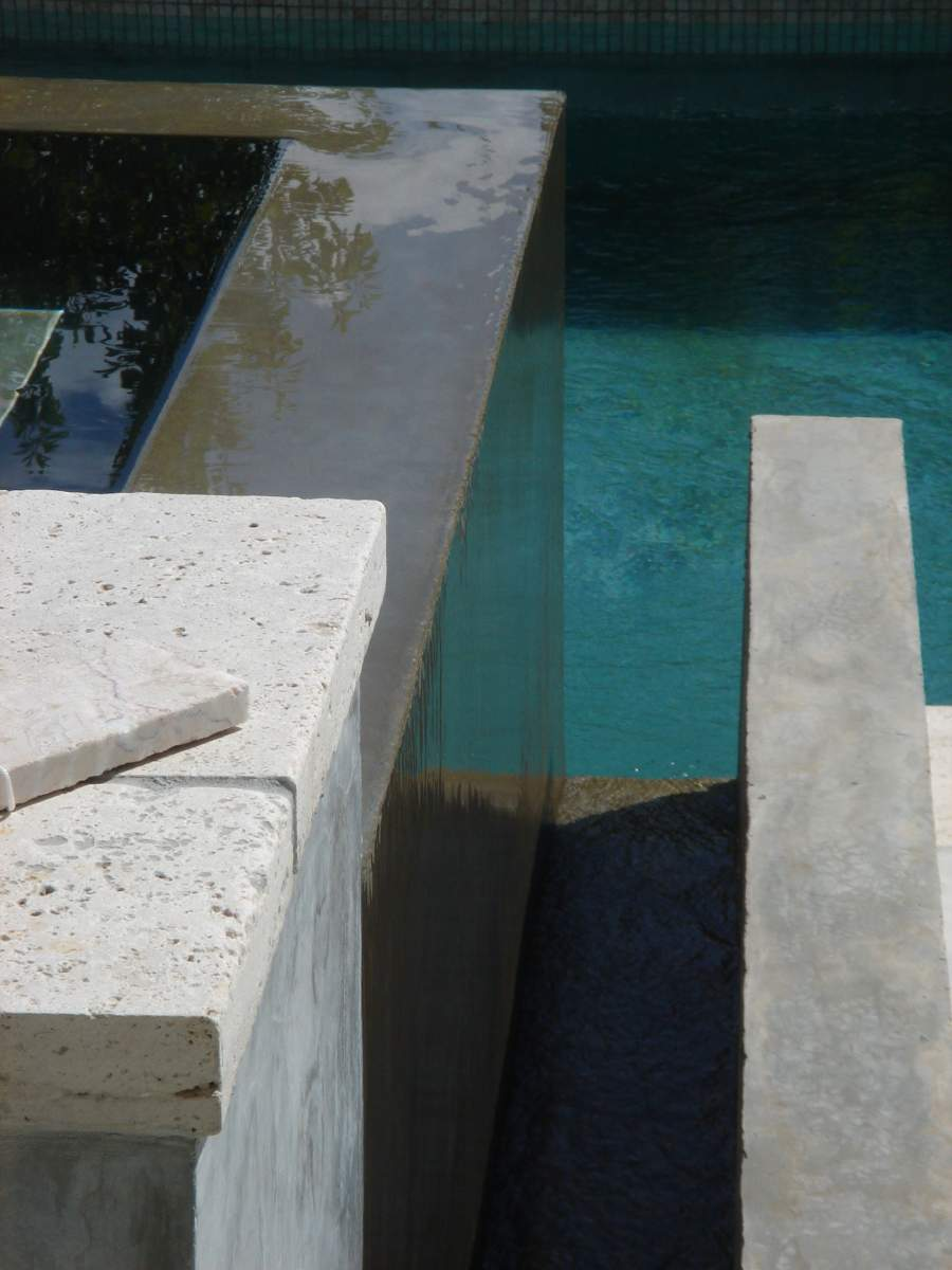 R alisation d 39 une piscine avec spa d bordement et pool - Piscine salon de provence ...