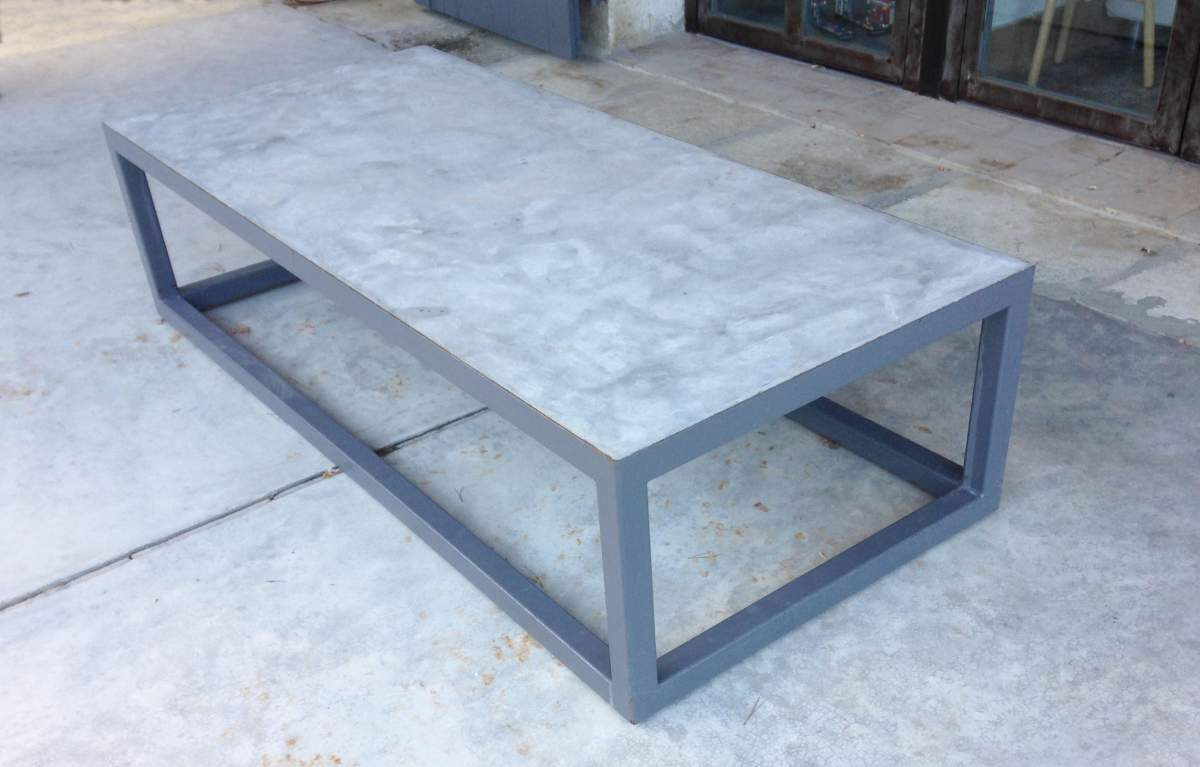 Fabriquer une table en beton home design architecture for Fabriquer une table de jardin